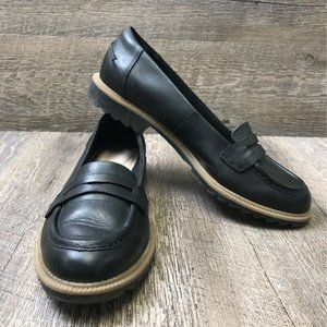 Clarks Women's Leather Rubber Sole Penny Loafer